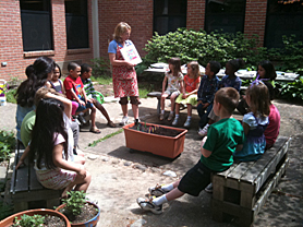 Highland View ES GreenKids in courtyard